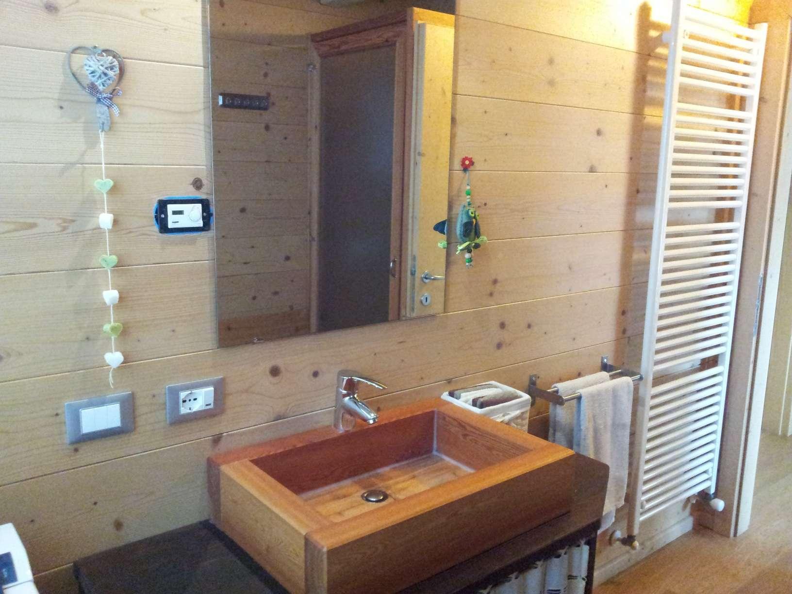 Bagni in legno case in legno e falegnameria in trentino - Bagni esterni in legno ...