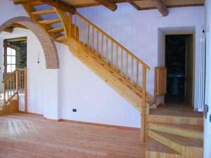 Scala Da Esterno In Legno : Scale in legno da esterno vm arredamenti cuneo realizzazione